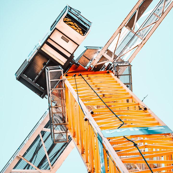 corso formazione gru a torre con rotazione in alto e in basso